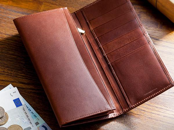 素材感のある人気の革財布