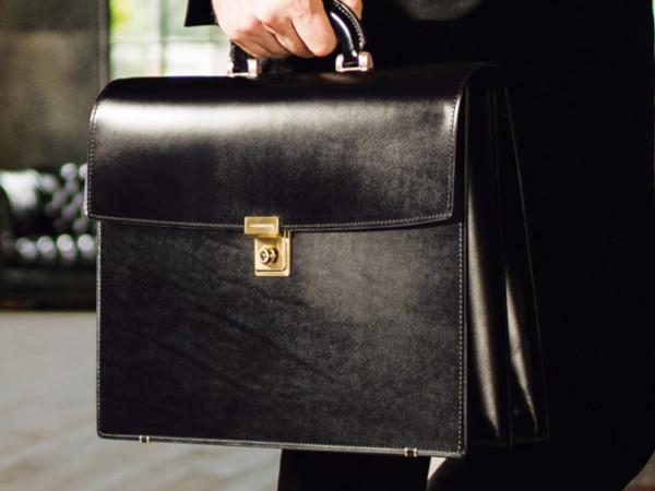 ココマイスターのビジネスバッグ