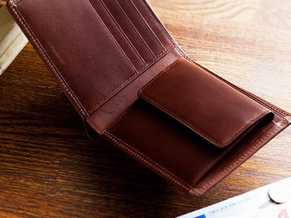 パティーナ折財布の機能性