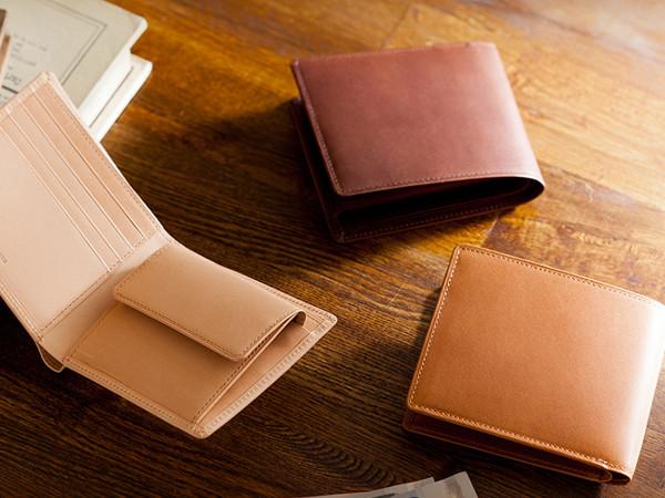 パティーナ折財布の風情