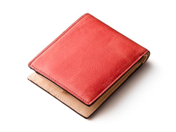 ロゼワイン色の折財布