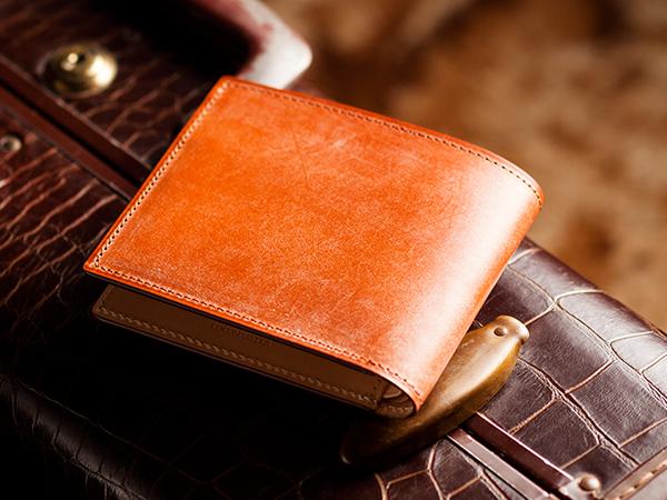 キャメルカラーの革財布