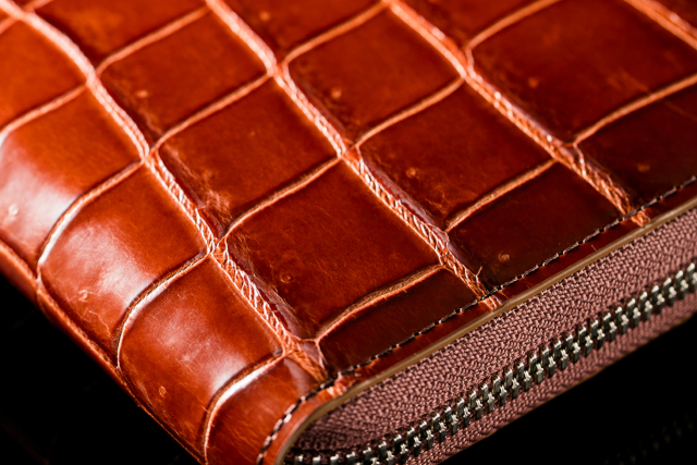 【赤色・ウィスキー】のクロコダイル財布