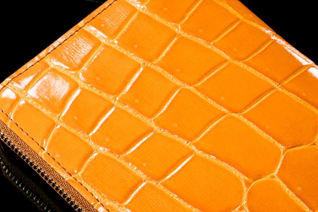 【黄色・金色】のクロコダイル財布