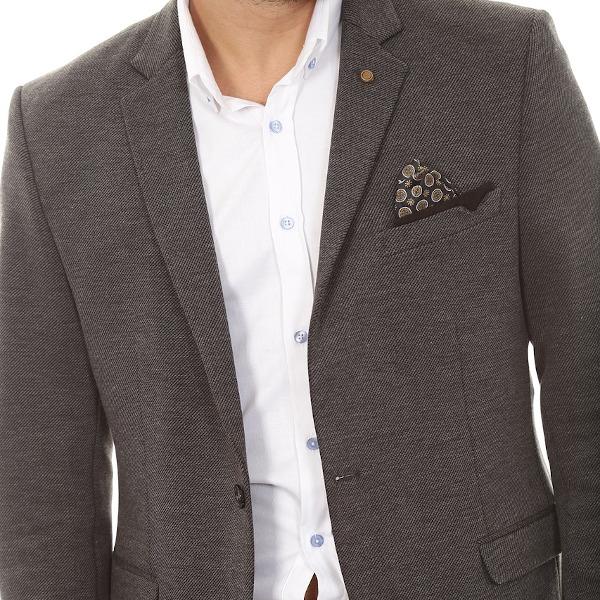 「茶色・褐色」のスーツ&ジャケットに調和する財布色とは!?