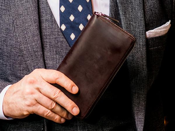 「蝋引きコードバン」革財布