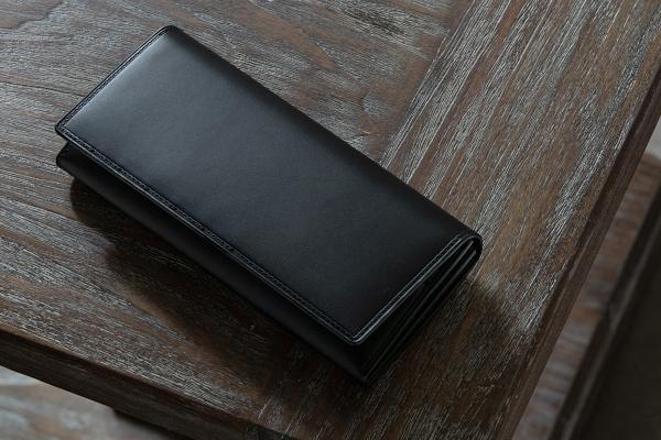 「ブッテーロ」革財布
